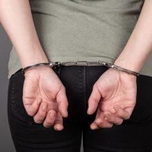 Panevėžyje pareigūnei pasipriešinusi girtutėlė moteris atsidūrė areštinėje