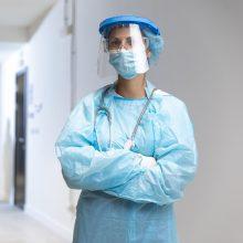 Prancūzijoje nuo darbo nušalinti 3 tūkst. nepasiskiepijusių sveikatos darbuotojų
