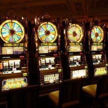 Las Vegase lankytojams duris atveria kazino ir viešbučiai