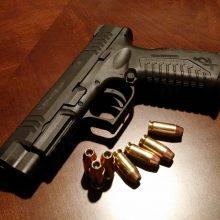 Raseinių rajone neblaivaus vyro vairuojamame automobilyje rastas ginklas