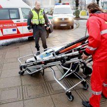 Ligoninėje mirė per avariją Kelmės rajone sužalotas vairuotojas