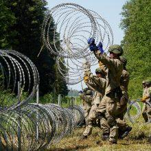 Kova su migrantais – ir Lenkijoje: kokių priemonių imasi ir ką kalba apie Lietuvą?