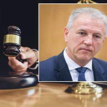 Teismas panaikino išteisinamąjį nuosprendį buvusiam Santaros klinikų vadovui