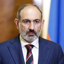 Armėnijoje dėl įtariamo sąmokslo nužudyti premjerą areštuotas opozicijos politikas
