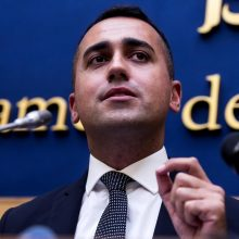 """Italijos užsienio reikalų ministru taps """"Penkių žvaigždučių judėjimo"""" lyderis"""