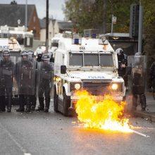 Šiaurės Airijos sostinėje Belfaste vėl siautėjo riaušininkai
