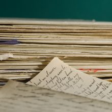 Laiškanešys kelerius metus nenešė korespondencijos adresatams: viską kaupė namuose