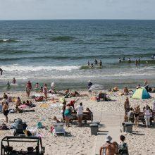 Klaipėdos uoste – naftos produktų dėmė: maudytis jūroje nepatariama