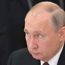 Rusija vystys vidutinio nuotolio raketas