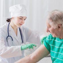 Iki balandžio pabaigos Italija ketina užbaigti vyresnių nei 80 metų žmonių skiepijimą nuo COVID-19