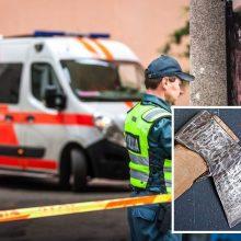 Ukmergės rajone girtas vyras kirviu sužalojo moterį
