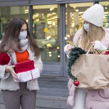 Vokietijoje uždaromos nebūtinų prekių parduotuvės ir mokyklos