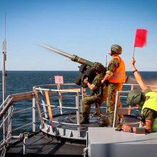 """Pratybose """"Gintarinė strėlė"""" kariai naikins oro taikinius virš Baltijos jūros"""