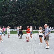 Šokių trenerė I. Bačėnė: moki vaikščioti – gali ir šokti!