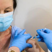 Per keturis mėnesius – 2579 pranešimai apie nepageidaujamas reakcijas į vakcinas nuo COVID-19