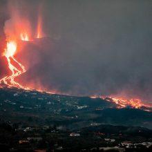 La Palmoje ugnikalnio lavos srautas pradėjo sparčiau tekėti vandenyno link