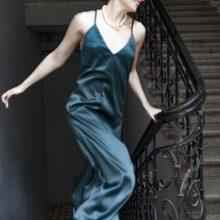 Suknelių kolekciją sukūrusi A. Žiurausko žmona: palaikymas skatina žengti pirmyn