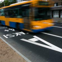 Vilniuje autobuse sužaloti du keleiviai