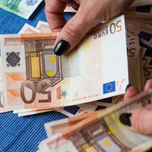 Mokėjimai iš klientų Lietuvoje vidutiniškai vėluoja dvi dienas