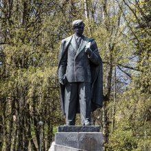 Vilniaus meras: P. Cvirkos paminklą svarstoma nukelti, bet sprendimai bus po rinkimų