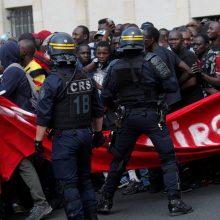 Šimtai migrantų okupavo Paryžiaus Panteoną