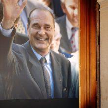 Prancūzai atsisveikina su buvusiu prezidentu J. Chiracu