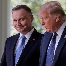 D. Trumpas po susitikimo su A. Duda: JAV perkelia dalį karių iš Vokietijos į Lenkiją