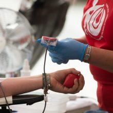 Sergantieji COVID-19 prašo paaukoti kraujo plazmos: kas čia negerai?