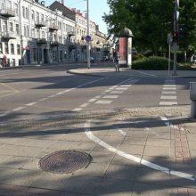Ragina savivaldybes susitvarkyti: aiškiai gatvėse pažymėti dviračių pervažas
