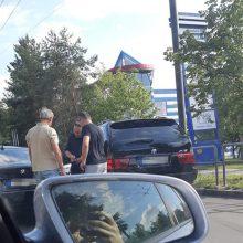 """Petrašiūnuose – dviejų BMW ir """"Škodos"""" avarija"""
