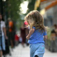 Vilniuje partrenkė mergaitę