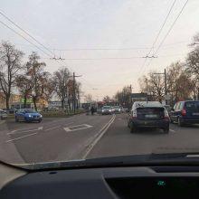 A. Juozapavičiaus prospekte žuvo automobilio partrenktas vyras