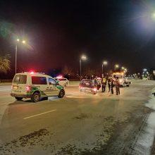 Karaliaus Mindaugo prospekte – kelių automobilių avarija, prireikė medikų pagalbos