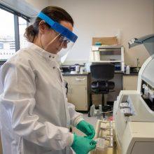 A. Veryga atšovė kritikams: tyrimų apimtys dėl koronaviruso nemažės