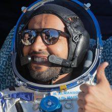 JAE, JAV ir Rusijos astronautai iš TKS sėkmingai grįžo į Žemę