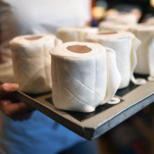 Pokštas tapo realybe: smaližiams – valgomas tualetinis popierius