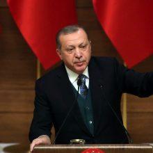 """Turkų lyderis kaltina J. Bideną """"kruvinomis rankomis rašant istoriją"""" dėl paramos Izraeliui"""