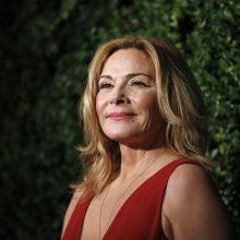 """""""Sekso ir miesto"""" aktorė K. Cattrall paskelbė apie brolio mirtį"""