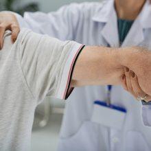 Medicininės reabilitacijos vykstantiems pacientams nebereikės atlikti COVID-19 testo