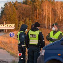 Lietuvoje apribotas žmonių judėjimas, policija įrengė 300 postų