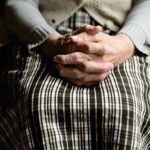 102-ejų prancūzė įtariama savo kaimynės slaugos namuose nužudymu