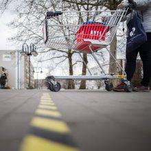 """Atnaujinti užsikrėtusiųjų virusu maršrutai: lankėsi parduotuvėse, važiavo """"Bolt"""""""