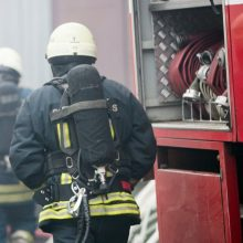 Vilniaus rajone – gaisras: pranešta, kad atvira liepsna dega namas