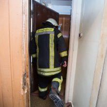 Vilniuje degė butas, nukentėjo vyras