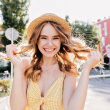 Vaistininkė: džiaugtis sveikais plaukais vasarą galėtų visi, jeigu laikytųsi kelių taisyklių