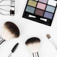 Pataria vizažistė: kaip sutvarkyti chaosą kosmetinėje