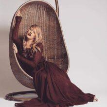 M. Bordeaux: mezgėja chuliganė, įsivaizduojanti, kad yra mezginių karalienė