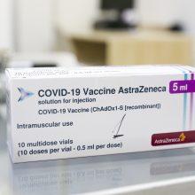 """EVA pareigūnas susiejo """"AstraZeneca"""" vakciną su paskiepytųjų trombozės atvejais"""