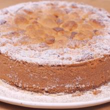 Gerai dienai – obuolių pyragas su karamele ir izraelietiška kiaušinienė