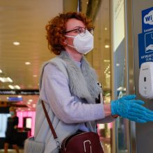 Maskvoje žmonėms kaukes gali tekti dėvėti tol, kol bus sukurta vakcina